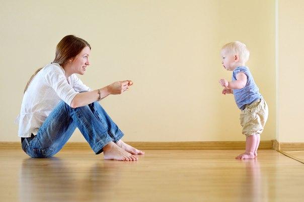 Как приучить ребенка не бояться своих рук