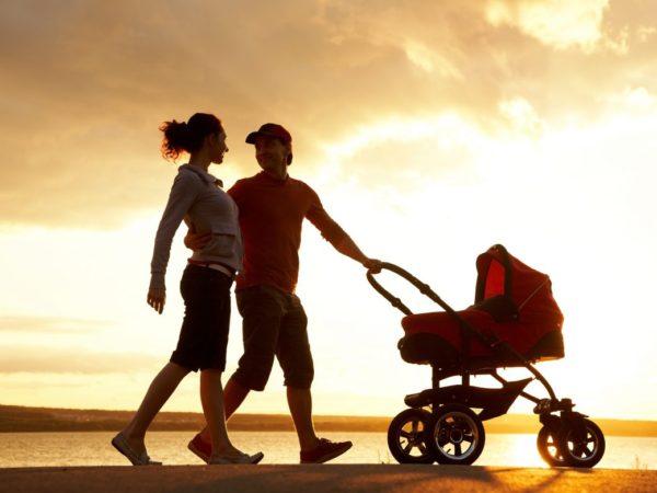 молодые-родители-с-детьми-1170x780